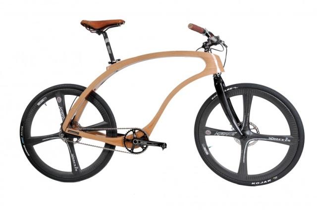 Design-Bike Waldmeister aus ästhetisch geschwungenem Holz. Sieht sieht edel aus