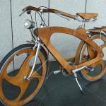 Holz-Fahrrad von Tino Sana