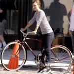 Hollywoods Damenräder: Weibliche Stars auf dem Fahrrad