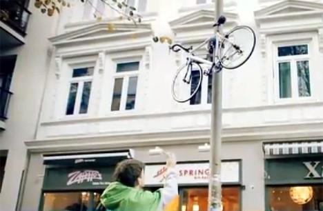 Conrad Fahrradlift am Laternenpfahl