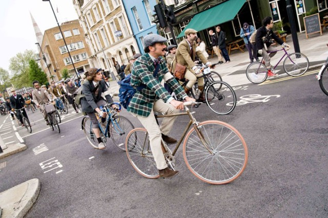 london-tweed-run-2012-pfeife-und-karos