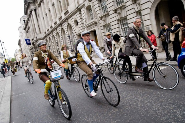 london-tweed-run-2012-weste-und-tandem