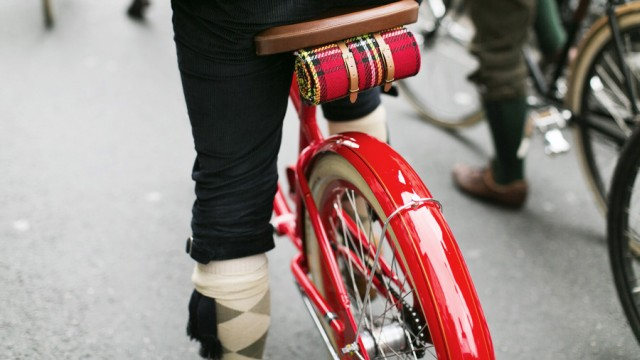 london-tweed-run-2013-roter-cruiser