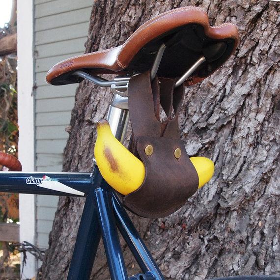 Bananen-Halter fürs Fahrrad am Sattel