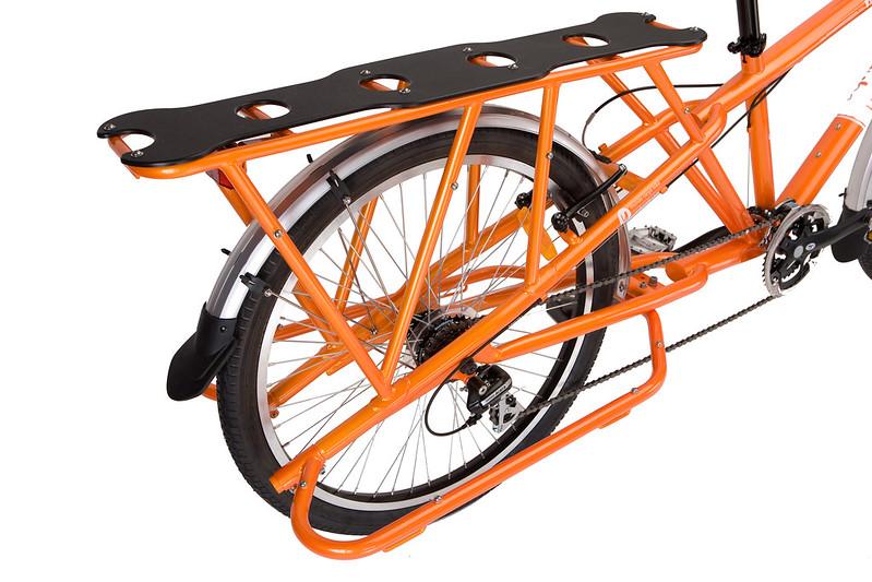 Yuba Mundo orange Gepäckträger Ansicht.