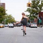 Bridget Flemming: Die Innenstadt von hinten (Downtown from Behind)
